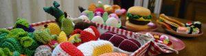 Read more about the article Dînette au crochet, le doux retour à l'enfance