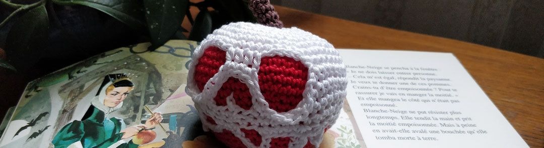 You are currently viewing Blanche-Neige : pomme empoisonnée au crochet