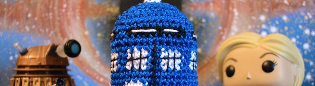 Doctor Who : patron du Tardis au crochet