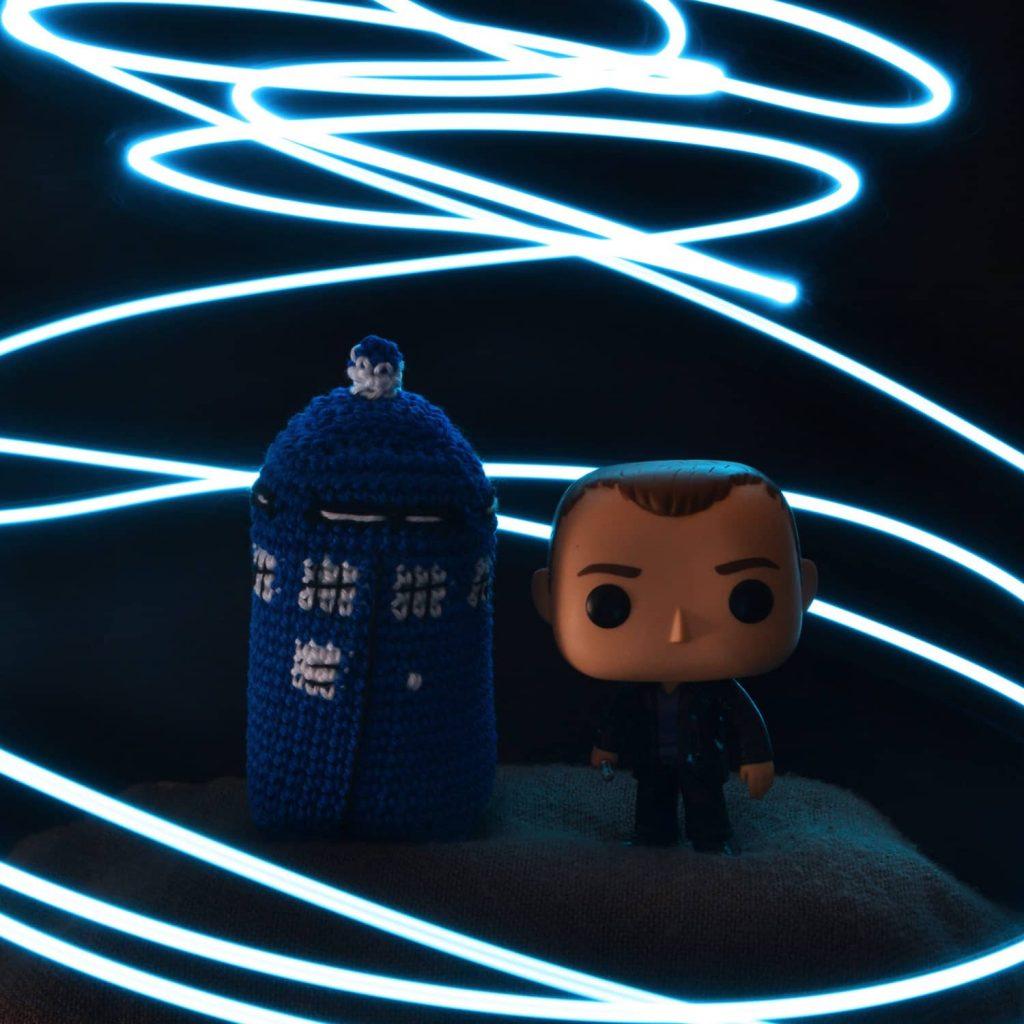 Tuto gratuit au crochet du Tardis de Doctor Who, par l'Univers de Lalu
