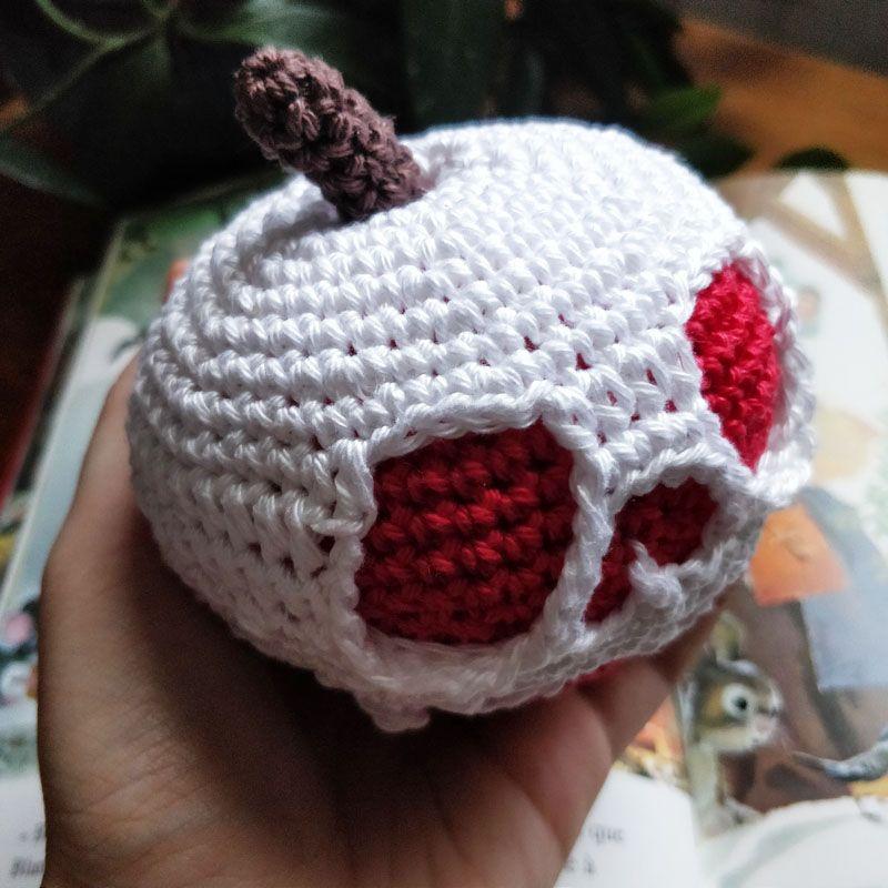 Le Journal de Lalu, blog crochet, patron Pomme empoisonnée de Blanche Neige au crochet