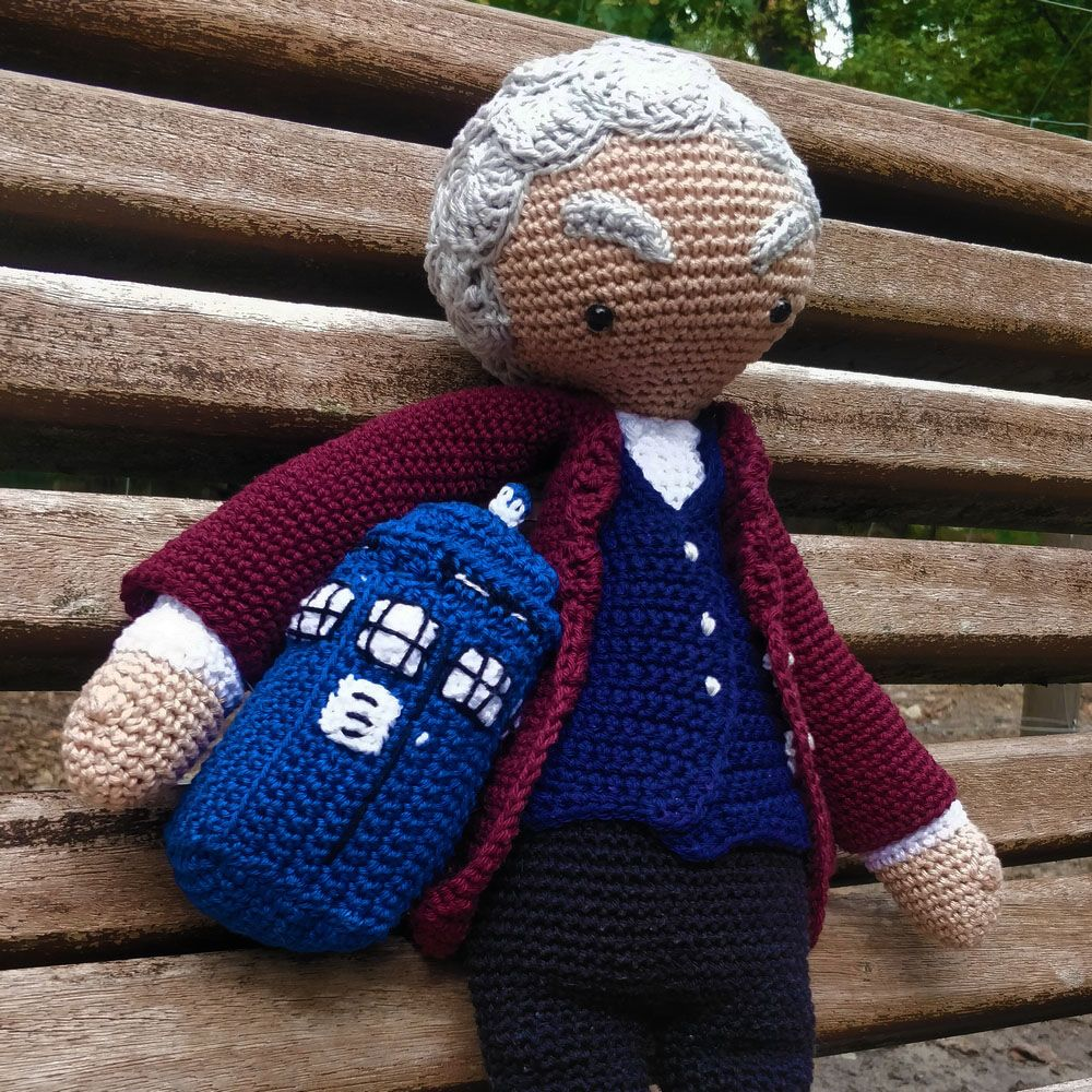 Le Journal de Lalu, blog crochet, patron Tardis au crochet Doctor Who, Tardis version 1