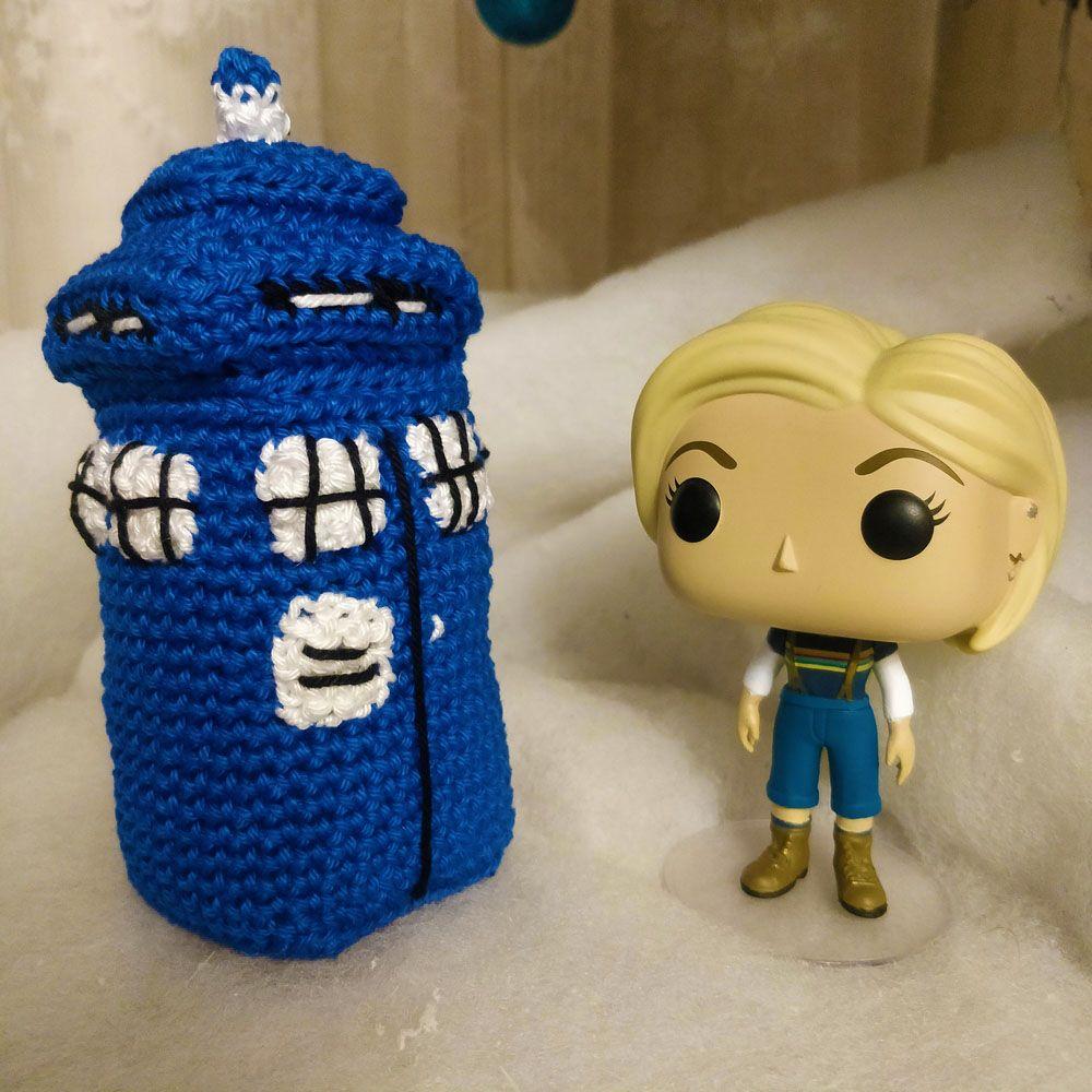 Le Journal de Lalu, blog crochet, patron Tardis au crochet Doctor Who, Tardis version 2